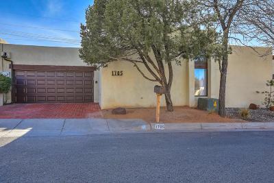 Albuquerque Attached For Sale: 1705 Miracerros Place NE
