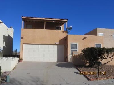 Single Family Home For Sale: 9331 Osuna Place NE