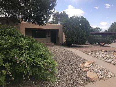 Albuquerque Single Family Home For Sale: 4721 Robin Drive NE