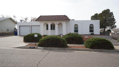Albuquerque Single Family Home For Sale: 5616 Siboney Loop NE