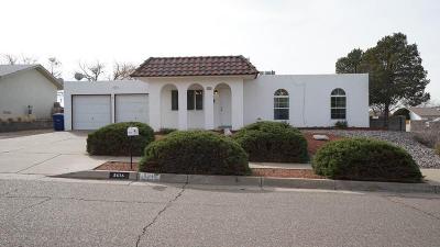 Single Family Home For Sale: 5616 Siboney Loop NE