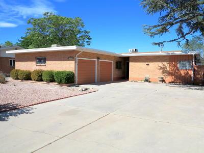 Albuquerque Single Family Home For Sale: 1301 Arizona Street NE