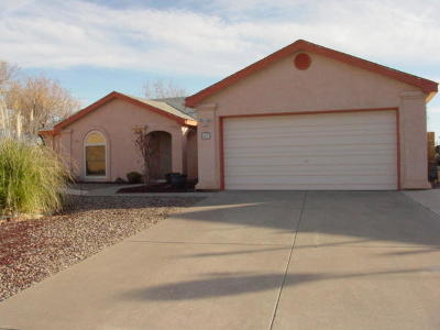 Valencia County Single Family Home For Sale: 47 Milton Loop