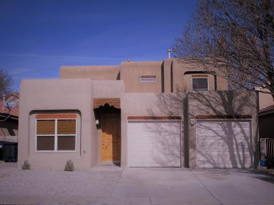 Albuquerque NM Single Family Home For Sale: $215,000