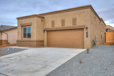 Los Lunas Single Family Home For Sale: 1417 Terrazas Court