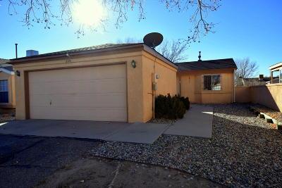 Rio Rancho Single Family Home For Sale: 823 Rebecca Loop