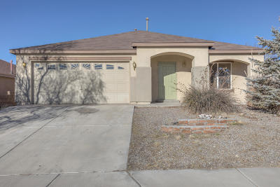 Rio Rancho Single Family Home For Sale: 5211 Mayhill Court NE