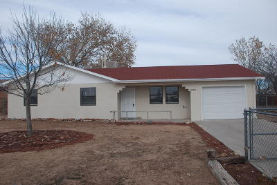 Valencia County Single Family Home For Sale: 1070 Aspen Drive SE