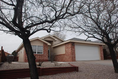 Valencia County Single Family Home For Sale: 14 Milagro Court