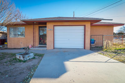 Belen Single Family Home For Sale: 1335 Dillon Avenue