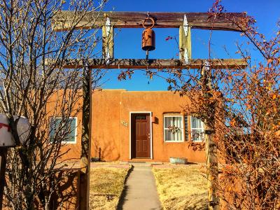 Single Family Home For Sale: 631 Tulane Drive NE