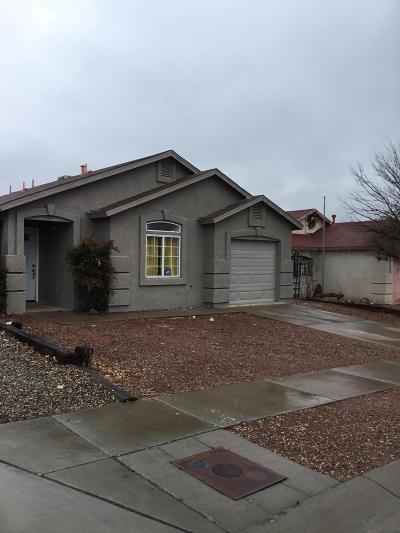 Albuquerque Single Family Home For Sale: 1612 Quiet Desert Drive SW