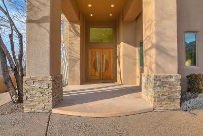 Albuquerque Single Family Home For Sale: 39 Sandia Heights Drive NE