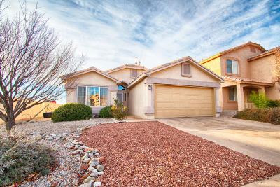 Bernalillo County Single Family Home For Sale: 7608 Via Cometa SW