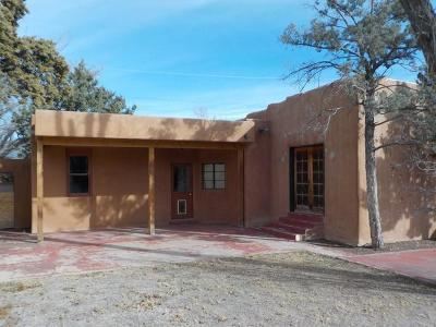 Bernalillo County Single Family Home For Sale: 2018 Meadow View Road NW