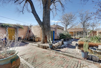 Los Ranchos Single Family Home For Sale: 7609 Guadalupe Trail NW
