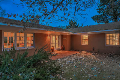 Albuquerque Single Family Home For Sale: 2224 Dietz Place NW
