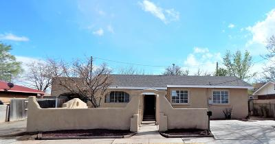 Valencia County Single Family Home For Sale: 643 Coronado Street NE