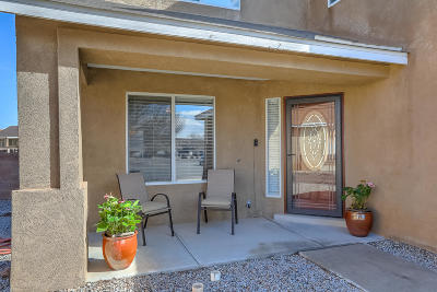 Valencia County Single Family Home For Sale: 2033 Hermosa Court NW