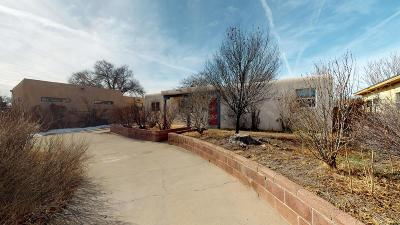 Bernalillo County Single Family Home For Sale: 3405 Cardenas Drive NE