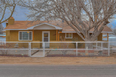 Valencia County Single Family Home For Sale: 230 Valle Grande Road