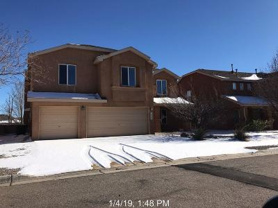 Los Lunas Single Family Home For Sale: 1221 Colibri Avenue NW