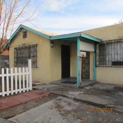 Bernalillo County Single Family Home For Sale: 1608 Fruit Avenue NW