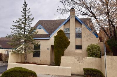 Bernalillo County Single Family Home For Sale: 1504 La Charles Drive NE