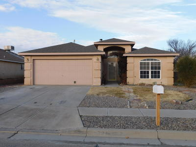Valencia County Single Family Home For Sale: 2204 Stagecoach Street SW