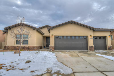 Rio Rancho Single Family Home For Sale: 2604 La Luz Circle NE