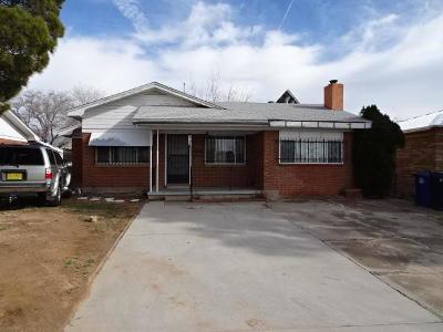 Bernalillo County Single Family Home For Sale: 1024 San Pedro Drive SE