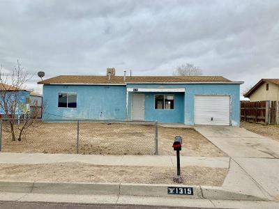 Albuquerque NM Single Family Home For Sale: $68,000