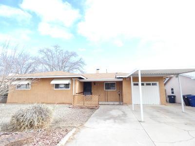 Albuquerque Single Family Home For Sale: 2834 Alvarado Drive NE