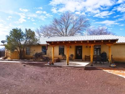 Los Lunas Single Family Home For Sale: 11 Don Juan Drive