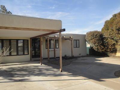 Albuquerque NM Single Family Home For Sale: $149,000