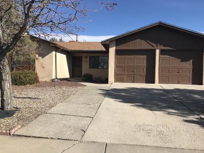 Albuquerque NM Single Family Home For Sale: $207,000
