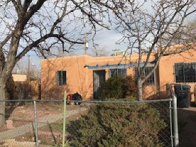 Albuquerque Single Family Home For Sale: 158 Chama Street NE
