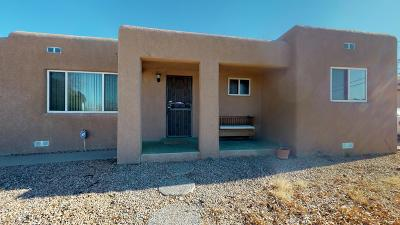Albuquerque NM Single Family Home For Sale: $250,000