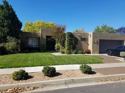 Albuquerque Single Family Home For Sale: 5813 Mahogany Place NE