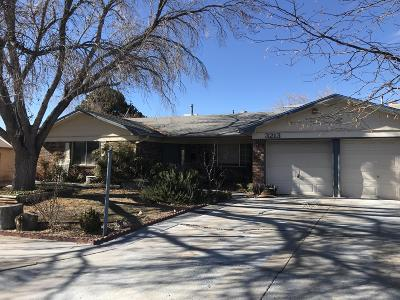 Albuquerque Single Family Home For Sale: 3213 Lucerne Street NE