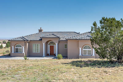 Santa Fe County Single Family Home For Sale: 18 Tierra Del Sol Drive