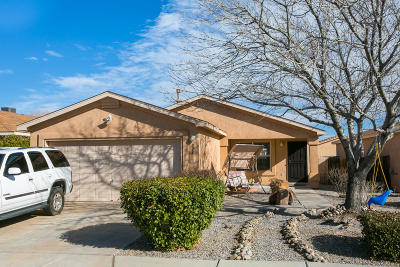 Albuquerque Single Family Home For Sale: 924 Tanager Drive SW