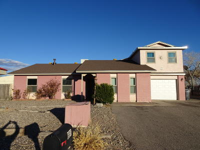 Rio Rancho Single Family Home For Sale: 699 Zuni Road SE