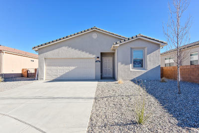 Los Lunas Single Family Home For Sale: 1512 Terrazas Court