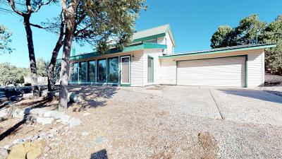 Tijeras, Cedar Crest, Sandia Park, Edgewood, Moriarty, Stanley Single Family Home For Sale: 13 Entranosa Road