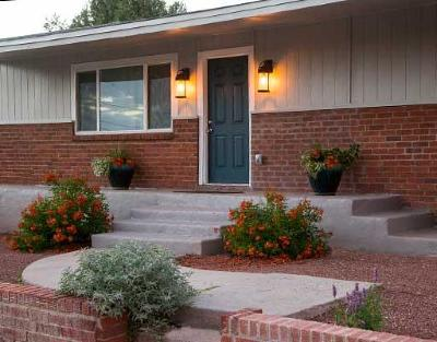 Albuquerque Single Family Home For Sale: 1643 Columbia Drive SE