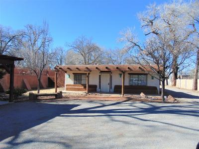 Single Family Home For Sale: 259 Sunset Road SW