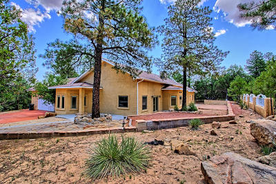 Tijeras Single Family Home For Sale: 6 Yucca Flats Road