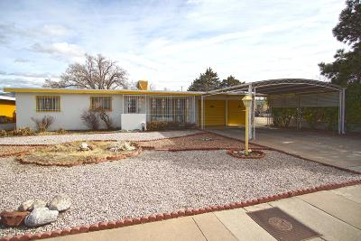Albuquerque NM Single Family Home For Sale: $145,000