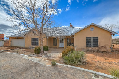 Albuquerque, Rio Rancho Single Family Home For Sale: 5690 Iris Road NE